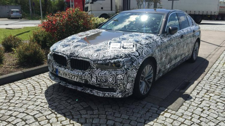 2017 BMW 5 Series front spotted with production headlights and body panels