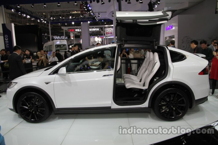 Tesla Model X side profile at Auto China 2016