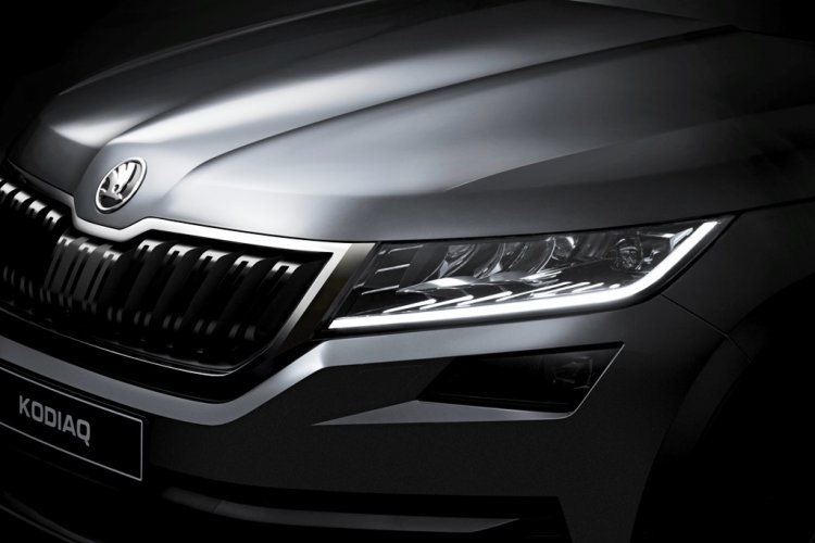 Skoda Kodiaq front undisguised teasers released