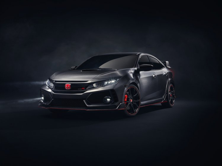 2017 Honda Civic Type R prototype front quarter press shots
