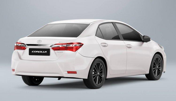 Toyota Corolla Dynamic Edition rear three quarter press image