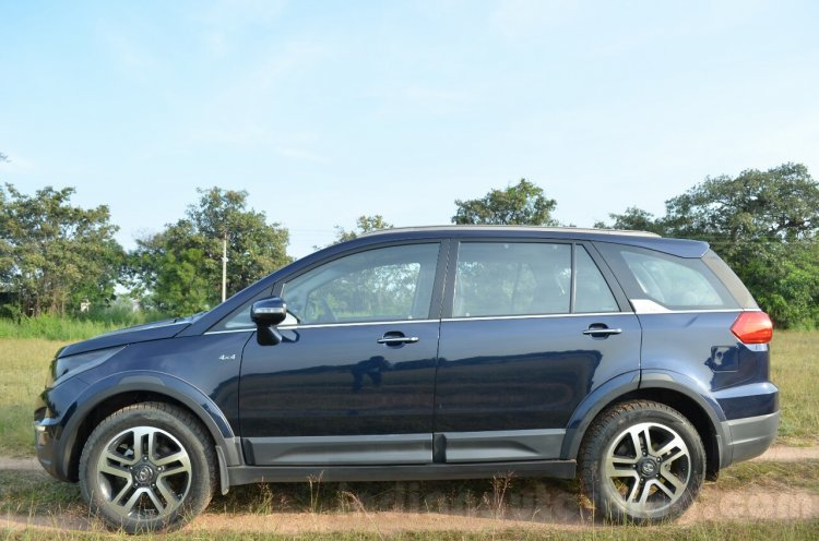 Tata Hexa XT MT side Review