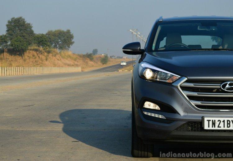 2016 Hyundai Tucson front half Review