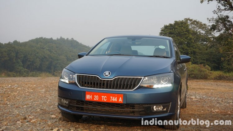 2016 Skoda Rapid front three quarter review