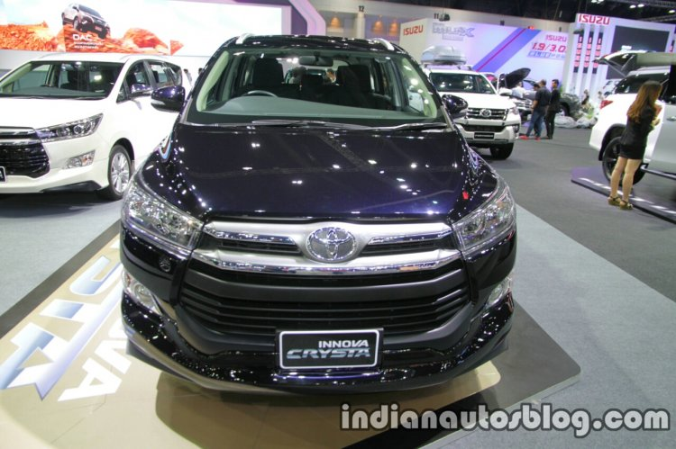 Toyota Innova Crysta front at 2016 Thai Motor Expo