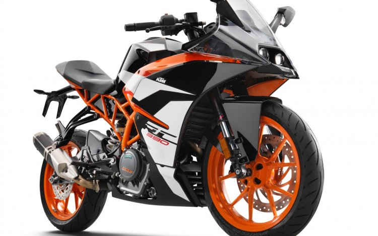 2017 KTM RC390 front three quarter right
