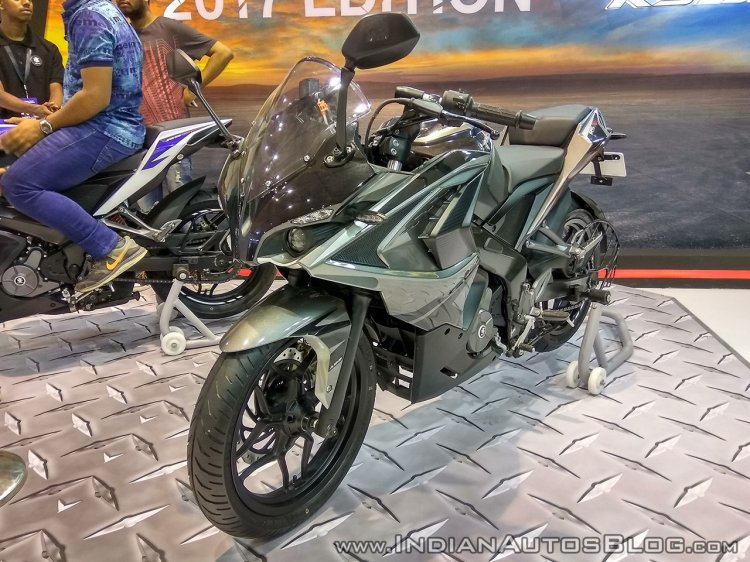 Bajaj Pulsar RS200 grey