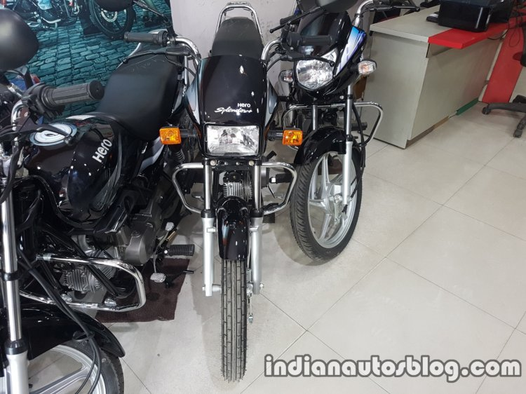 2017 Hero Splendor Plus BSIV at dealership front