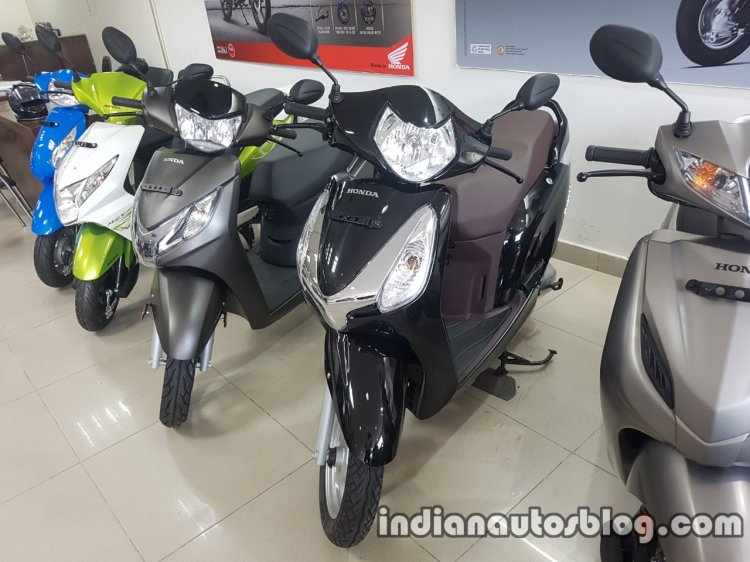2017 Honda Aviator BSIV reaches dealership front three quarter
