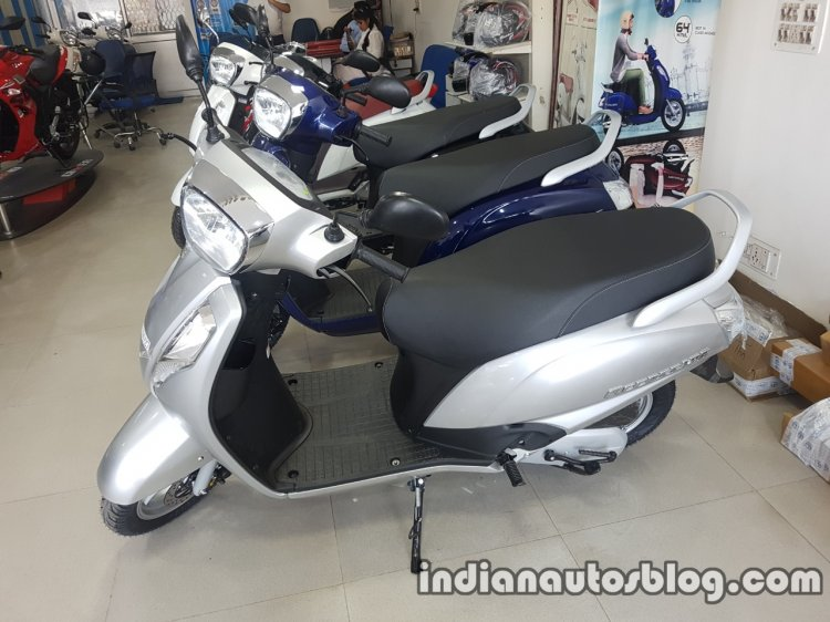 2017 Suzuki Access 125 BSIV at dealership front three quarter