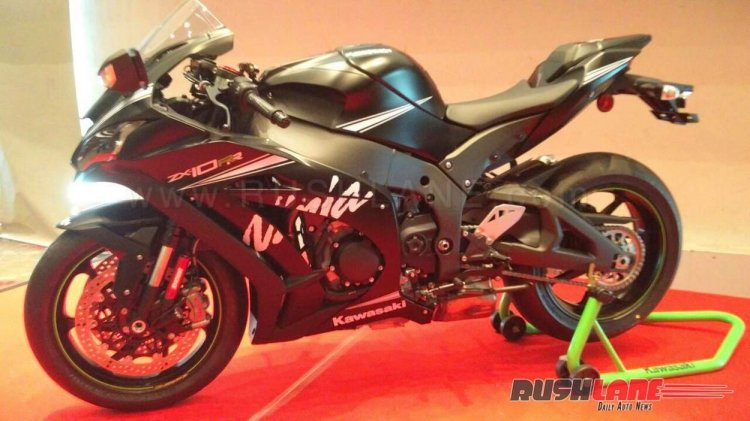 Kawasaki ZX10RR India launch side