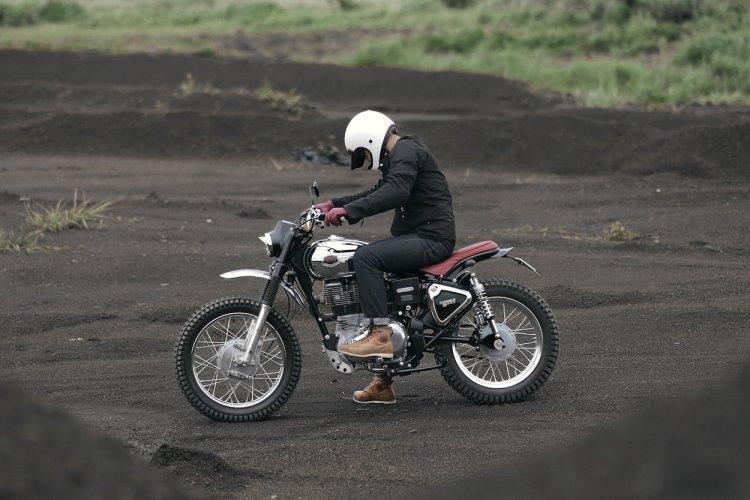 Royal Enfield Bullet 350 Moltar Scrambler by Thrive Motorcycle side motion