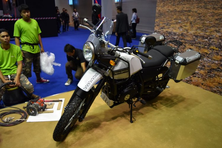 Royal Enfield Himalayan at BIMS 2017 front three quarter