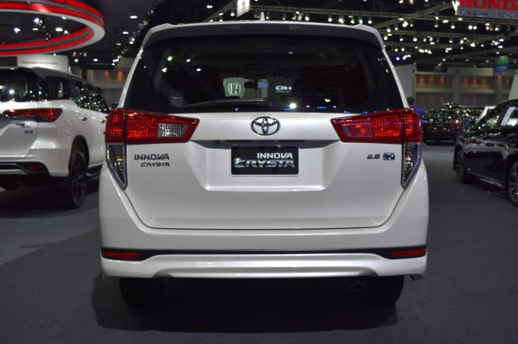 Toyota Innova Crysta at 2017 Bangkok International Motor Show rear