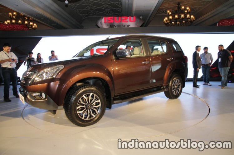Isuzu MU-X front three quarter launched in India image