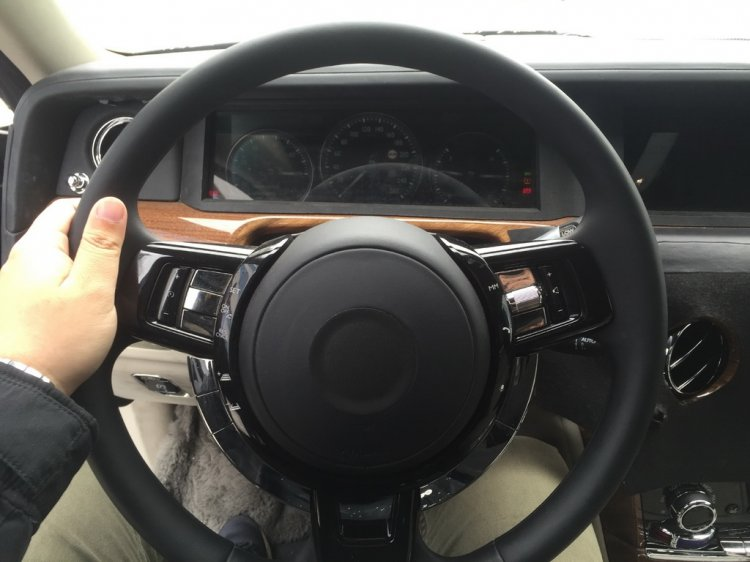 2018 Rolls-Royce Phantom dashboard driver side steering wheel spy shot