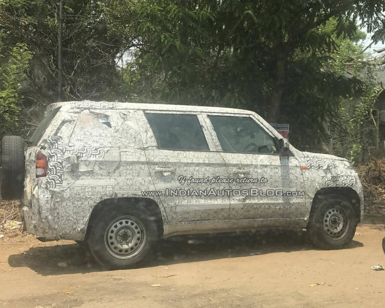 Mahindra TUV500 (TUV300 XL) rear three quarter spied by IAB Reader