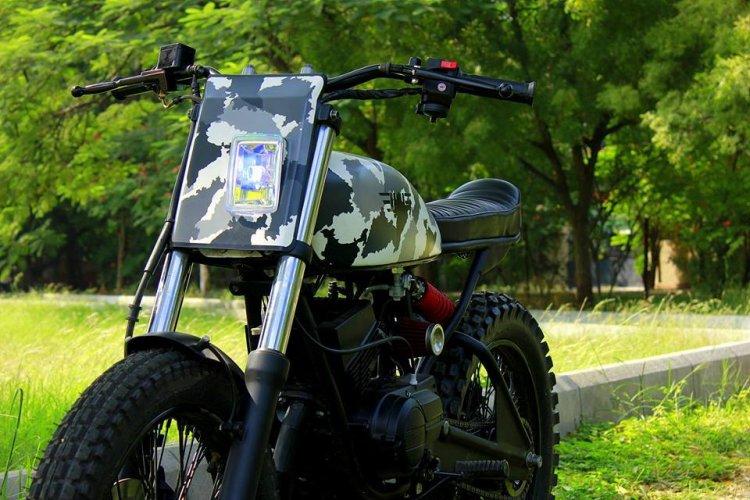 Yamaha RX100 Scrambler Yambam by Nomad Motorcycles headlamp
