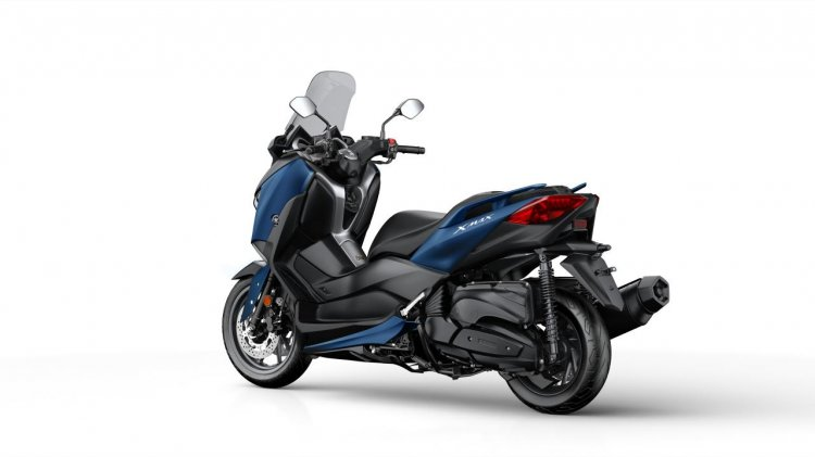 2018 Yamaha XMax 400 rear three quarter