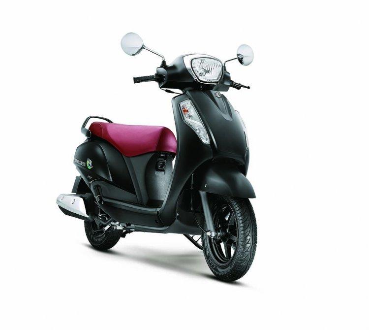 Suzuki Access 125 matte black front three quarter