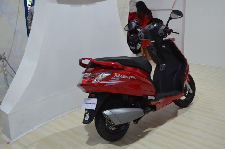 2017 Hero MotoCorp Maestro Edge rear