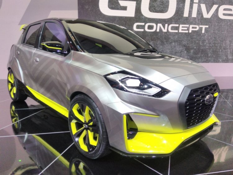 Datsun GO Live Concept at GIIAS 2017 right front three quarters