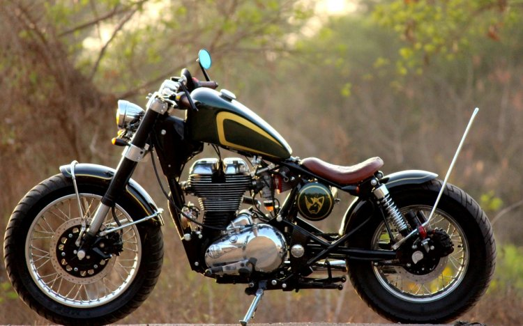 Royal Enfield Classic 350 Jajabor by Jedi Customs left side