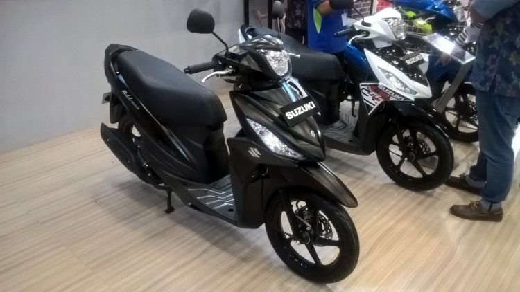 Suzuki Address Black Predator front right quarter at GIIAS 2017