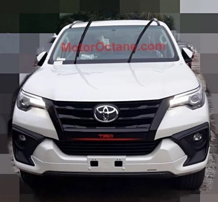 Toyota Fortuner TRD Sportivo front view