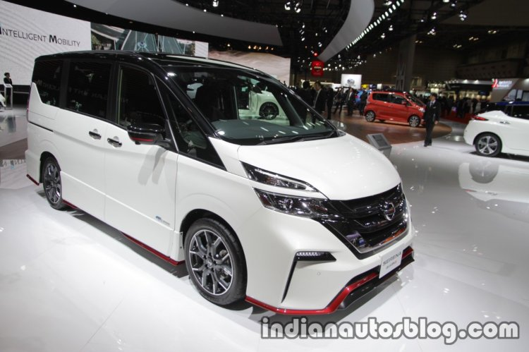 Nissan Serena Nismo grille headlamp body kit at the Tokyo Motor Show