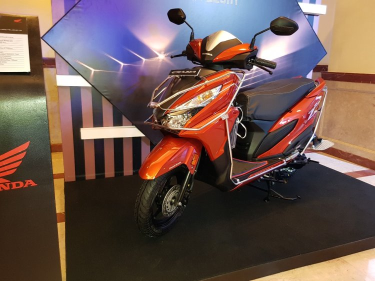 Honda Grazia launch with accessories front left quarter