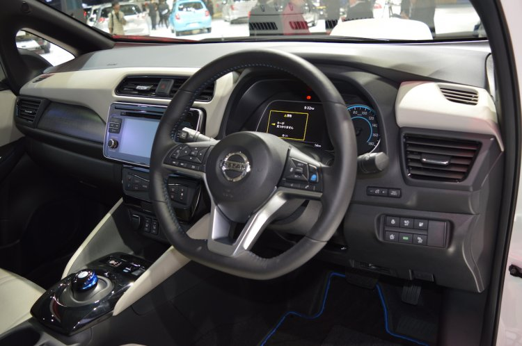 2018 Nissan Leaf dashboard at 2017 Thai Motor Expo
