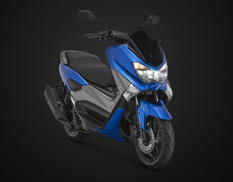 2018 Yamaha NMax 155 Blue front right quarter