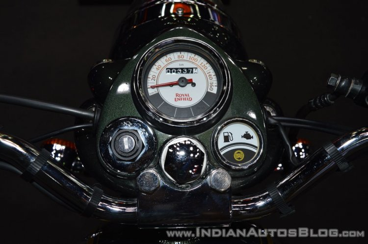 Royal Enfield Classic 500 Chrome instrument cluster