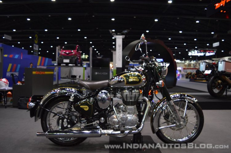 Royal Enfield Classic 500 Chrome right side