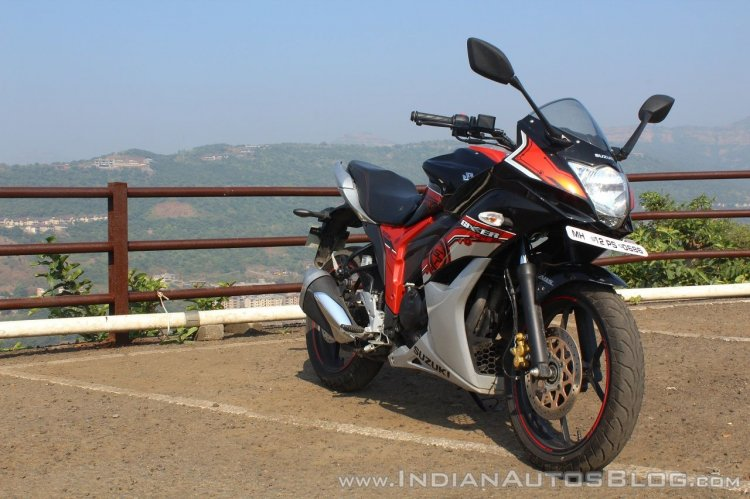 Suzuki Gixxer SF SP FI ABS review front right quarter
