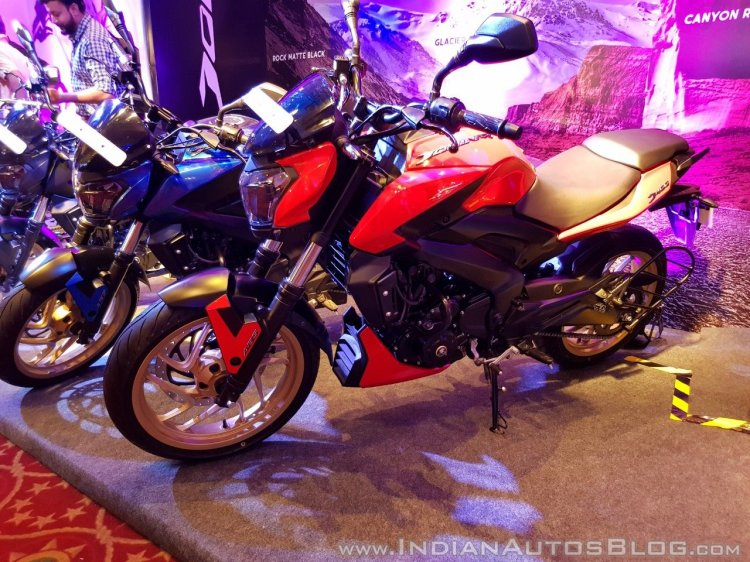 2018 Bajaj Dominar 400 unveiled red front left quarter closeup