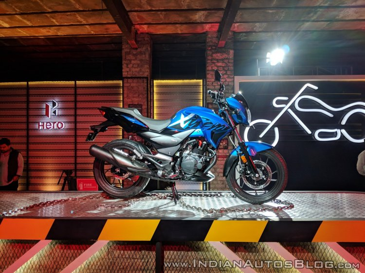 Hero Xtreme 200R side view