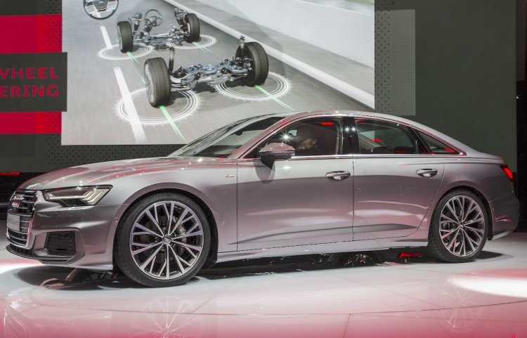 2018 Audi A6 front three quarters left side at 2018 Geneva Motor Show