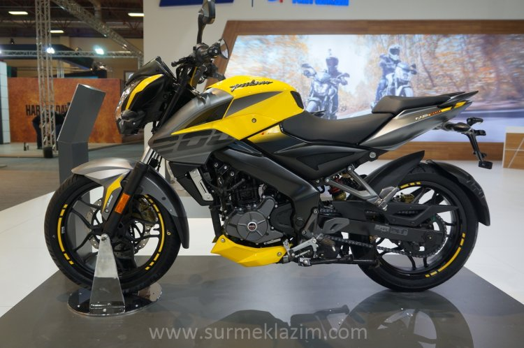 2018 Bajaj Pulsar NS 200 left side at Motobike Istanbul 2018