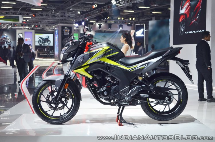 2018 Honda CB Hornet 160R left side at 2018 Auto Expo