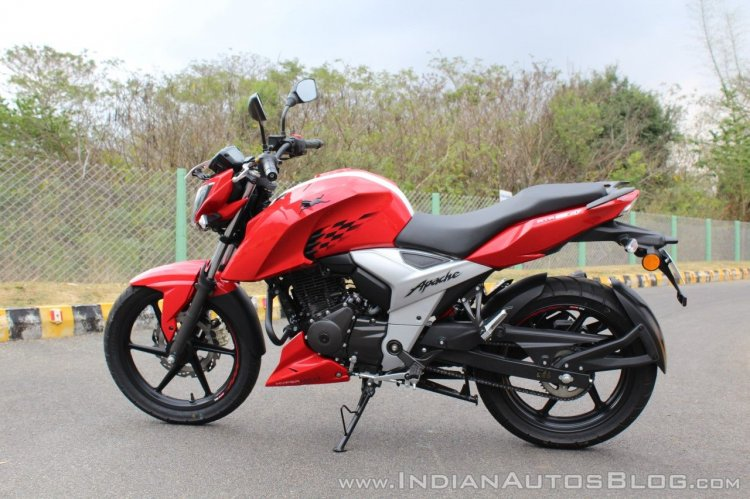 2018 TVS Apache RTR 160 4V First ride review left side