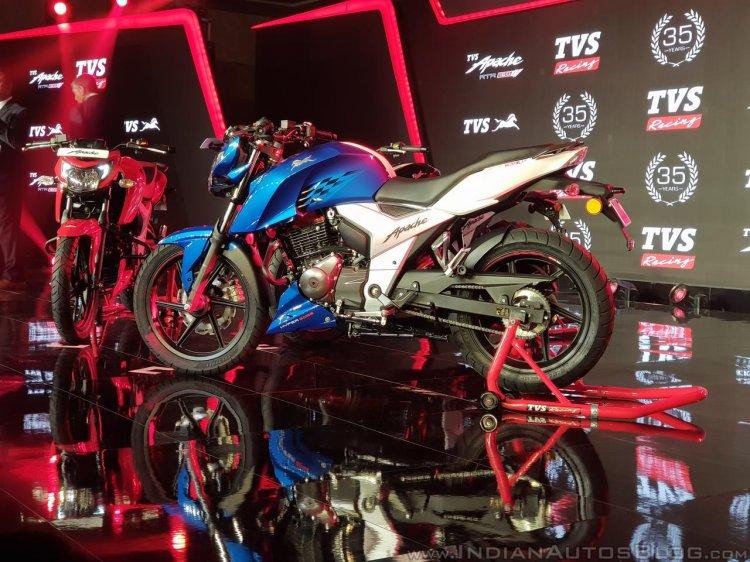 2018 TVS Apache RTR 160 4V India launch Blue left side