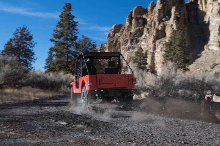 Mahindra Roxor rear three quarters left side