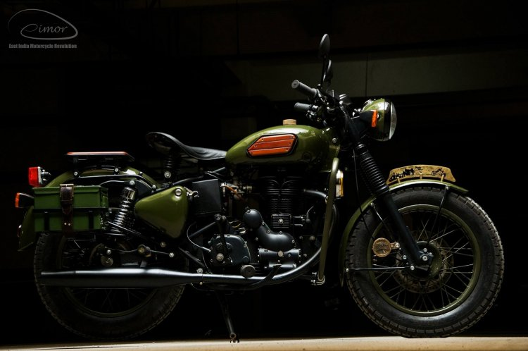 Royal Enfield Electra 'Johnnie' by Eimor customs right side