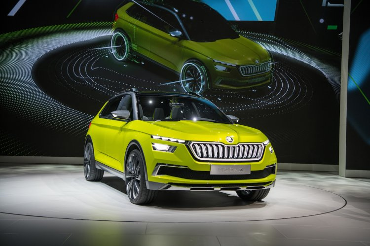 Skoda Vision X concept front three quarters right side at 2018 Geneva Motor Show