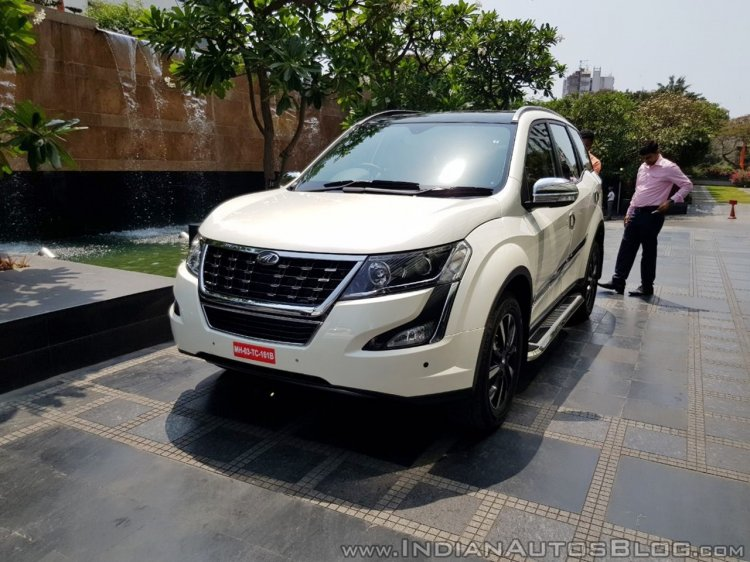 2018 Mahindra XUV500 accessories