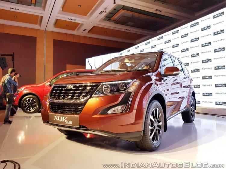 2018 Mahindra XUV500 facelift W11(O) in high demand