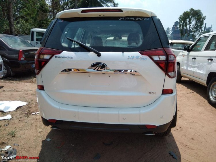 2018 Mahindra XUV500 facelift rear view