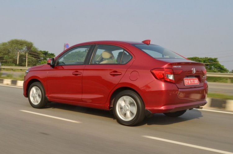 2018 Honda Amaze rear three quarters left side dynamic